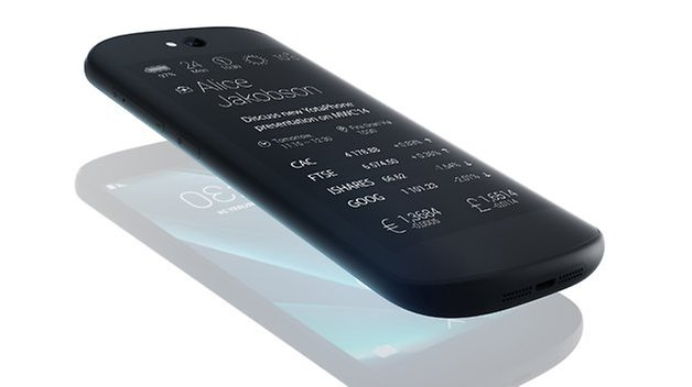 yotaphone 2 press02