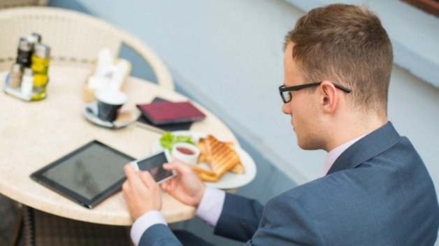 food smartphone