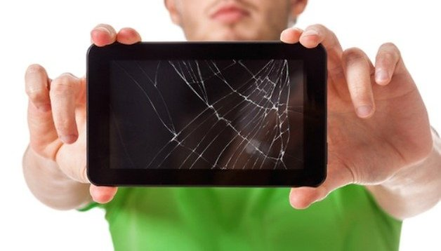 Come sostituire lo schermo rotto di un Galaxy S4