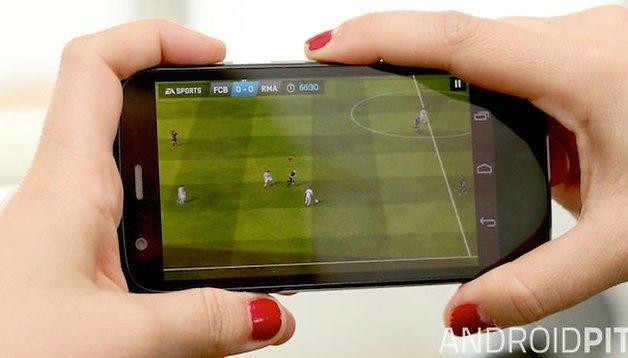Fifa 14 vs. Real Football 2013: una sfida mondiale!