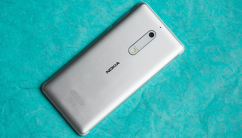 Test du Nokia 5 : une bonne alternative au Moto G5 ?