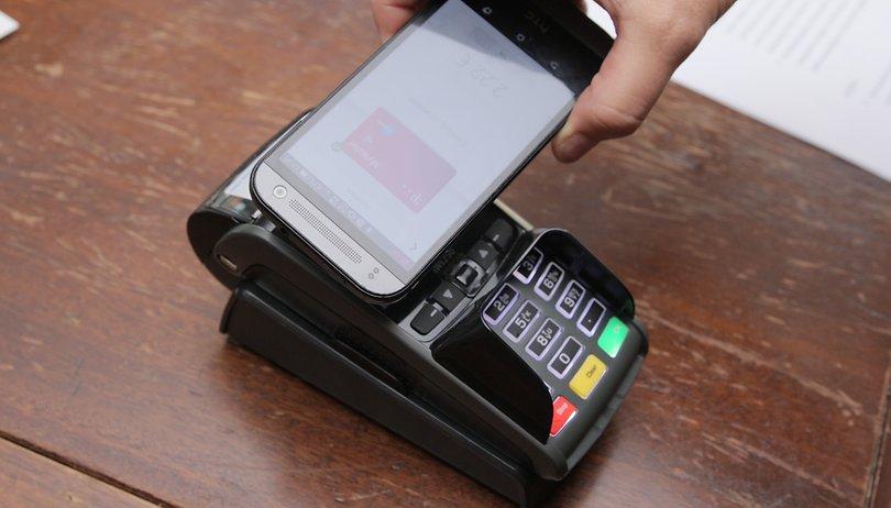Bezahlen mit dem Smartphone: Sparkasse legt holprigen Start hin