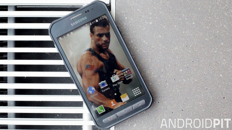 samsung galaxy xcover 3 outdoor smartphone