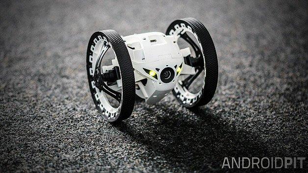 gadget der woche parrot minidrone jumping sumo der. Black Bedroom Furniture Sets. Home Design Ideas