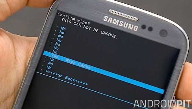 How to clear the cache on the Galaxy S3