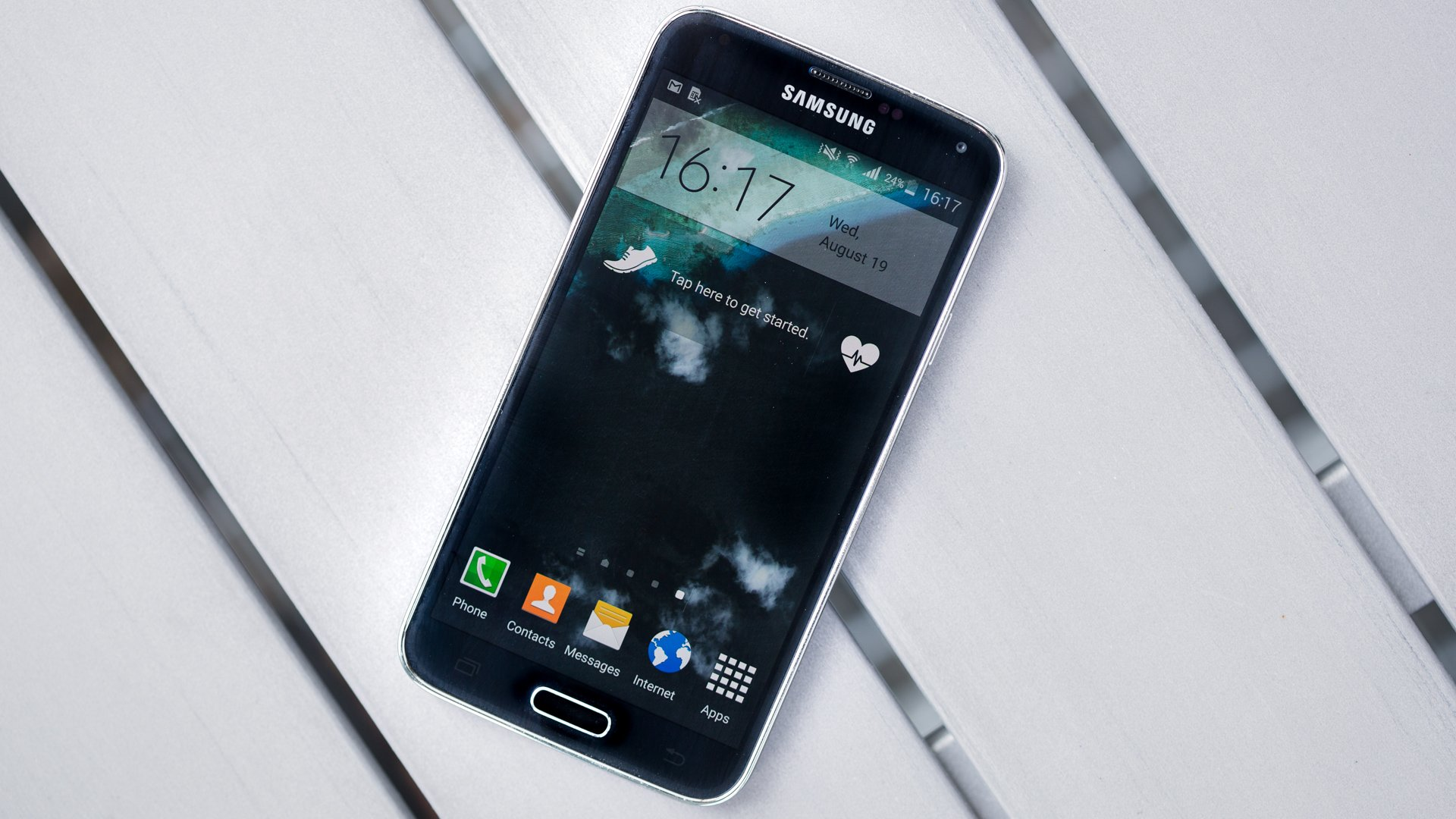 How to download apps and games on my Samsung Galaxy S5