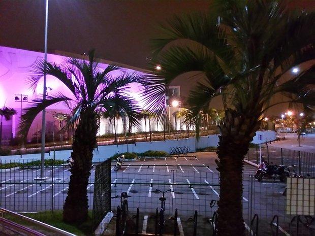 Imagem capturada a noite em modo automático.