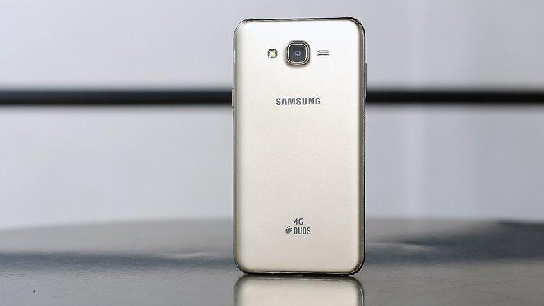 androidpit galaxy j7 back