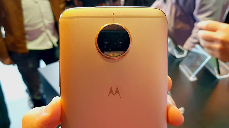 moto g5s hands on camera