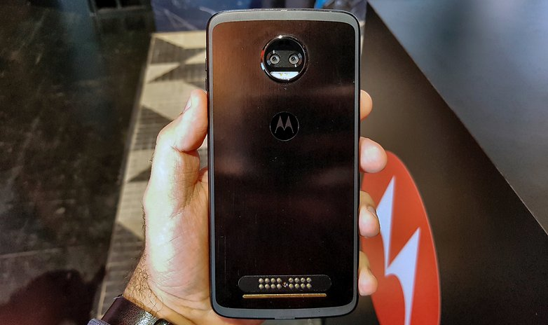 moto z2 force hands on all two