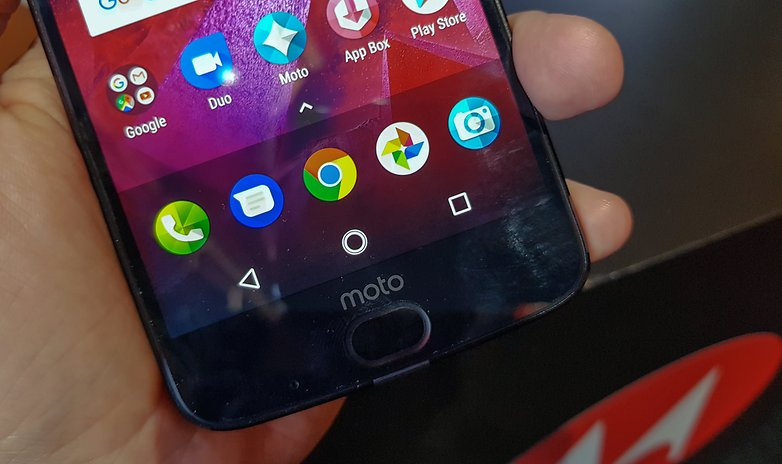 moto z2 force hands on button