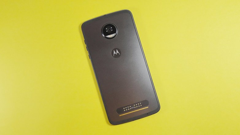 moto z2 play back review
