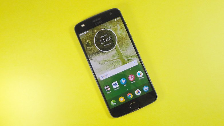 moto z2 play front screen review