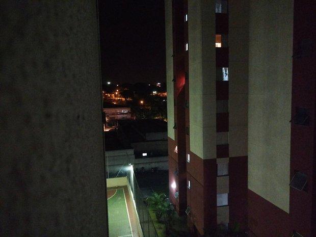 Moto X Play: modo automático em iluminação noturna
