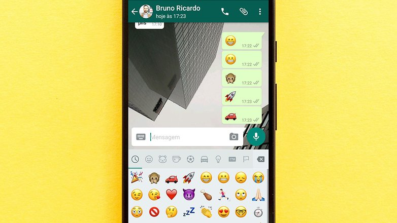 whatsapp big emojis
