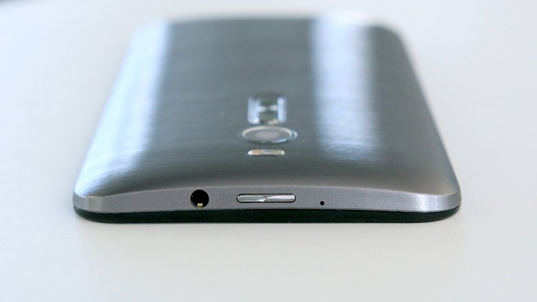 asus zenfone 2 headphone jack