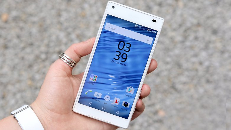 AndroidPIT sony xperia z5 compact front display