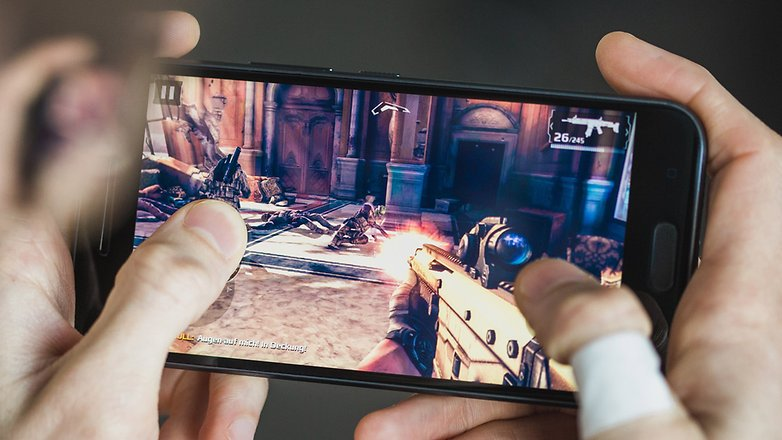 AndroidPIT HTC 10 modern combat 5 1325