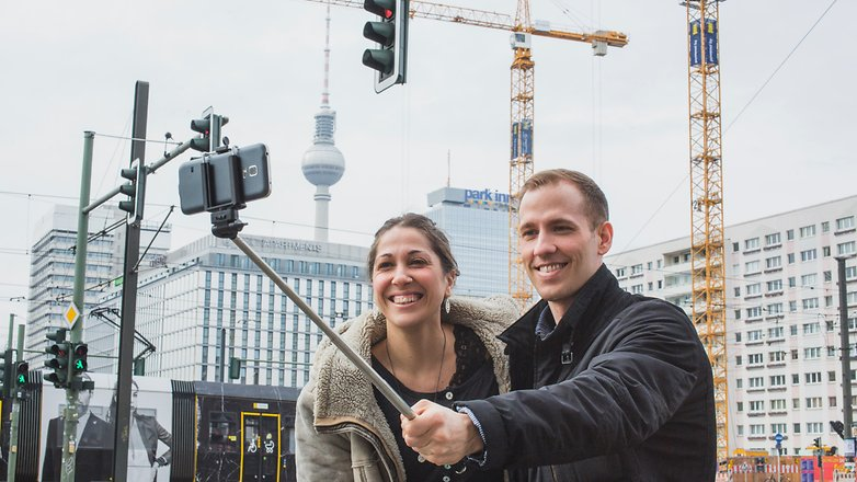 AndroidPIT Selfie stick 1