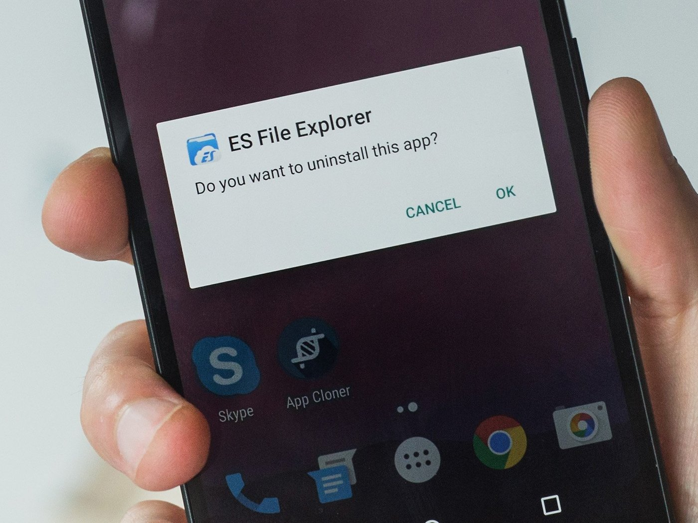 You should probably uninstall ES File Manager right now | AndroidPIT