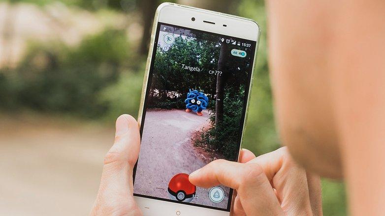 AndroidPIT pokemon van 8902