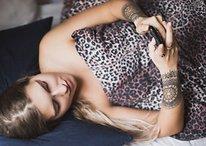 Sondage : que faites-vous avec votre smartphone avant d'aller dormir ?
