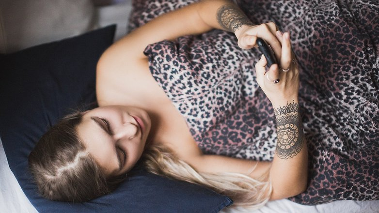 Ira Efremova Photography girl with phone in bed HD