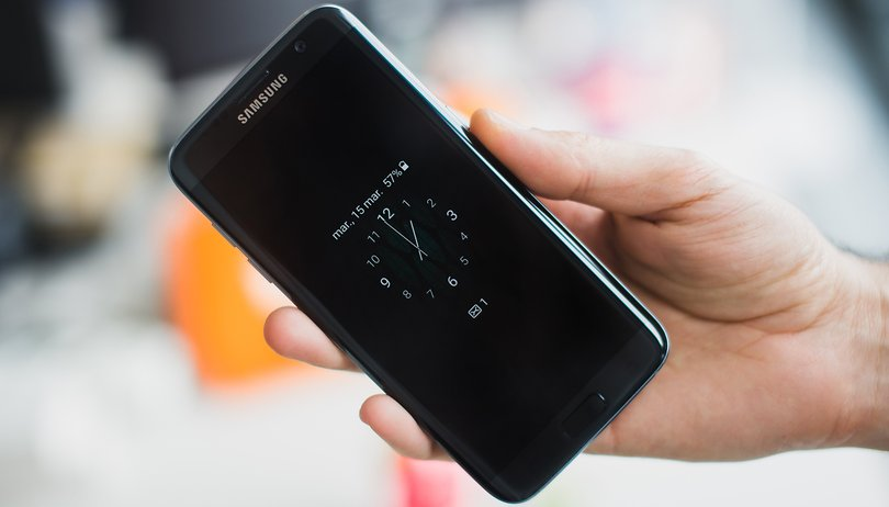 How to recognize a fake Samsung Galaxy S7