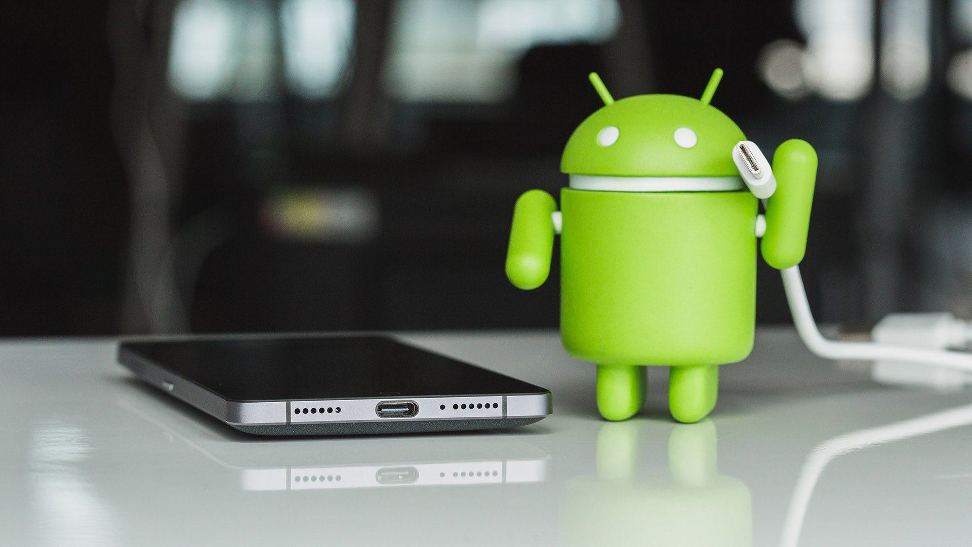 Il suffit de brancher l'application Android
