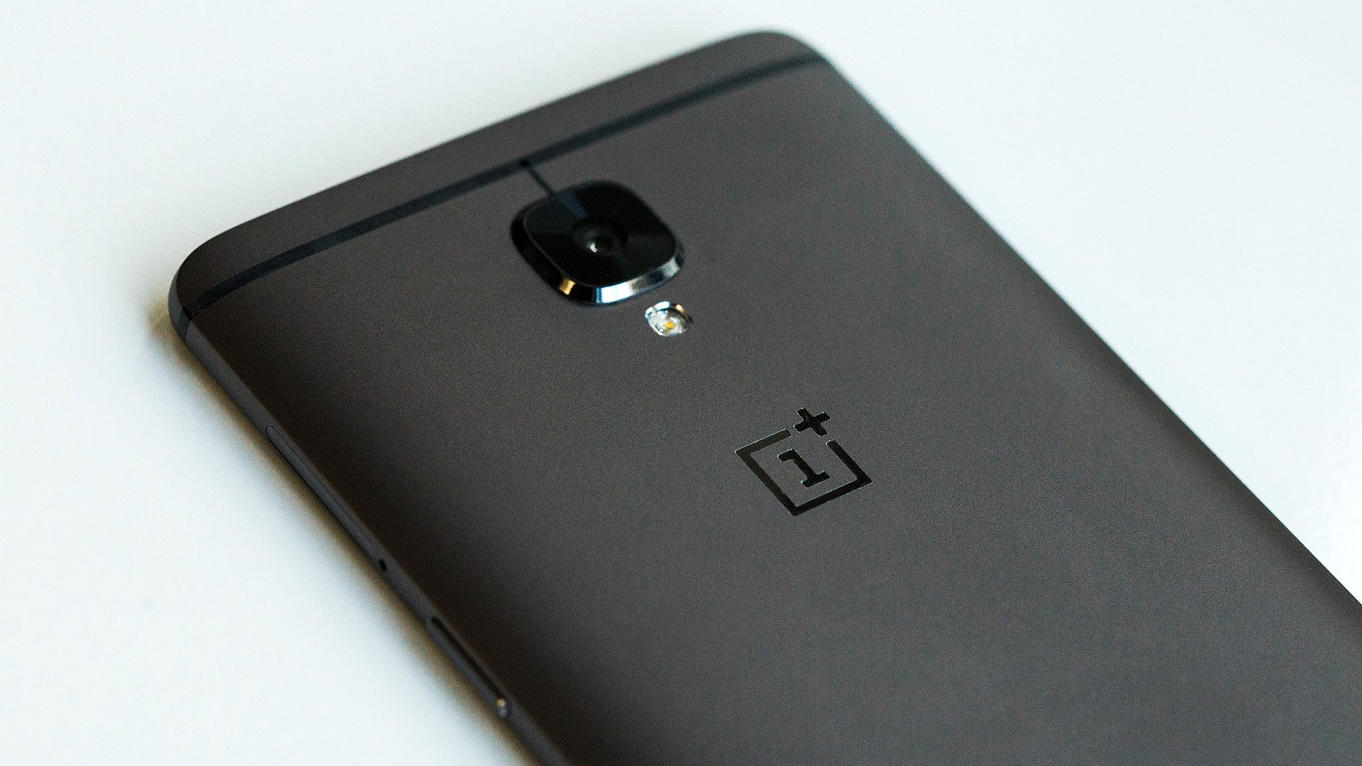 why oneplus has become just like every other manufacturer androidpit. Black Bedroom Furniture Sets. Home Design Ideas
