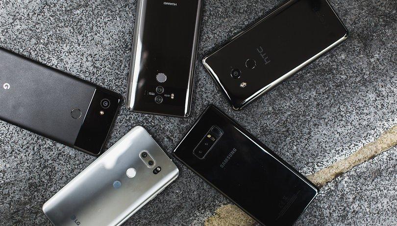 Meia-volta: smartphone Premium não é bem aquilo que você pensa que é!