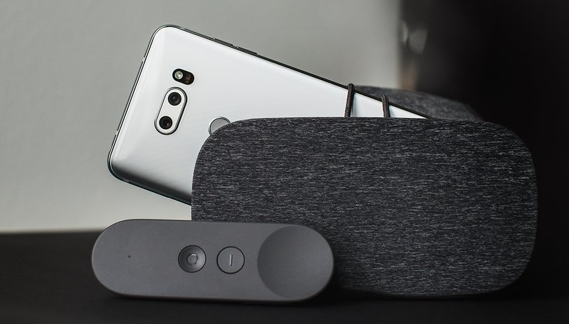 Leaked promo image offers the LG V30 with new Daydream View thrown in for free