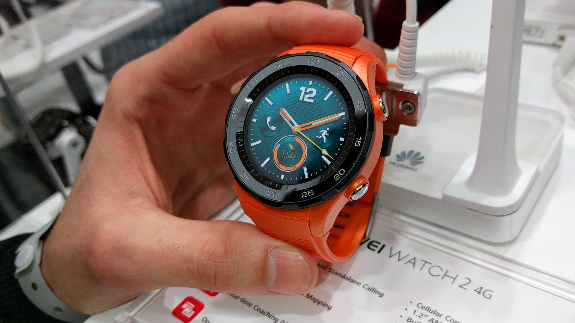 Huawei Watch 2 hands-on review: here comes the competition ...