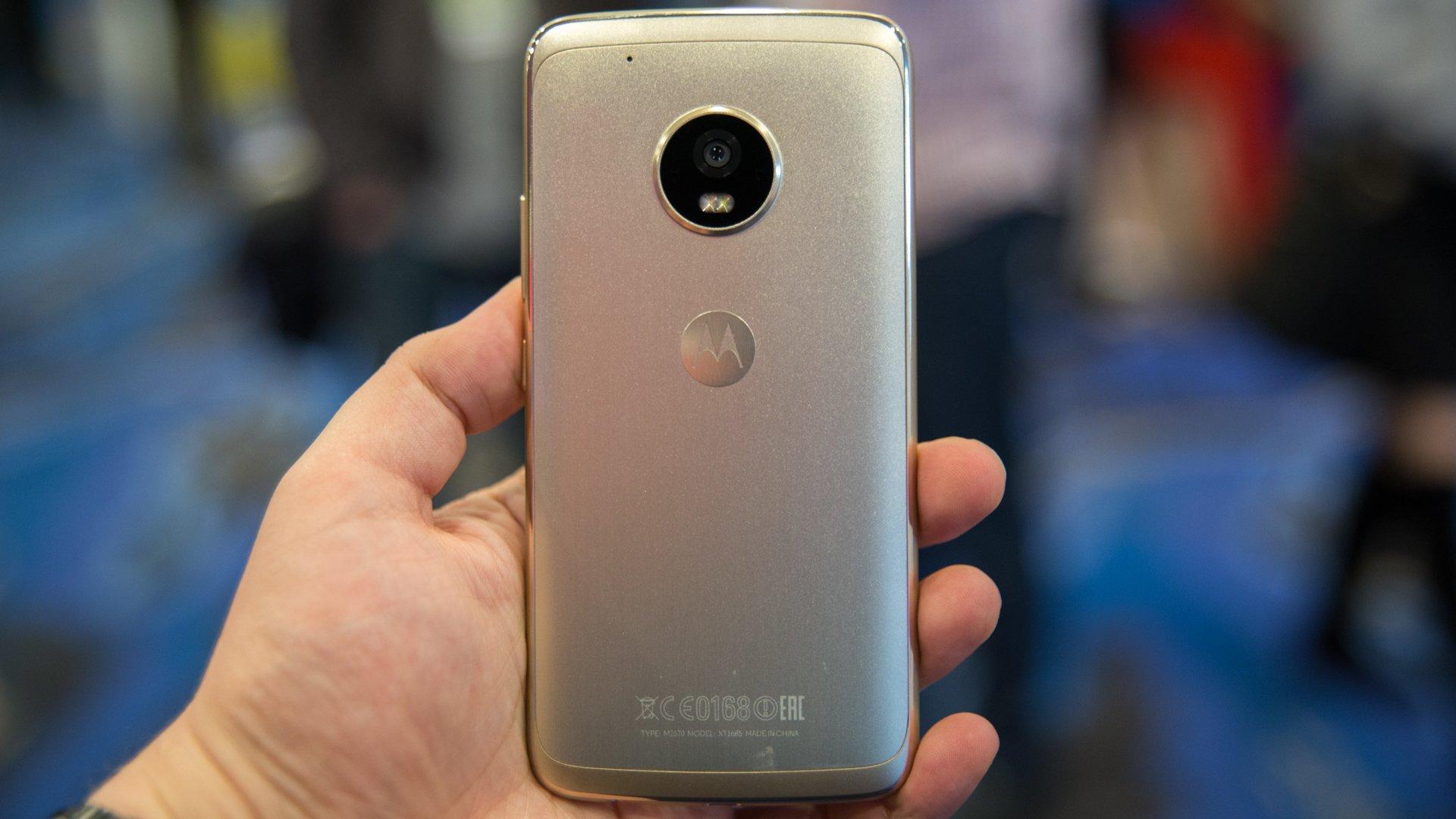 Lenovo lance des Moto G5 et Moto G5 Plus au design métallique intéressants et pas chers ...