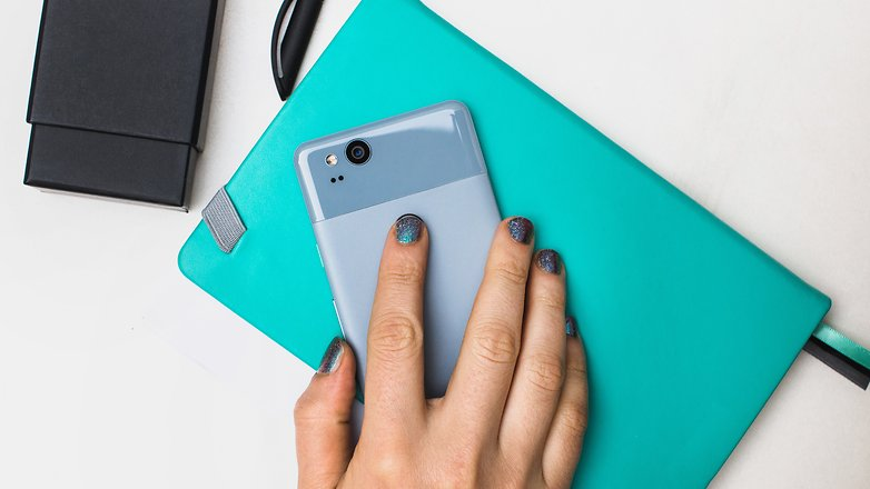 AndroidPIT Google Pixel2 blue 1778