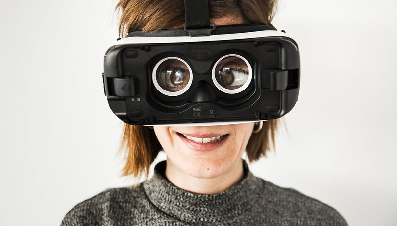 Gaming in virtual reality: a good time, in small doses