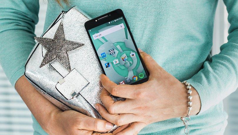 Test complet de l'Alcatel A5 LED : le smartphone qui ne passe pas inaperçu