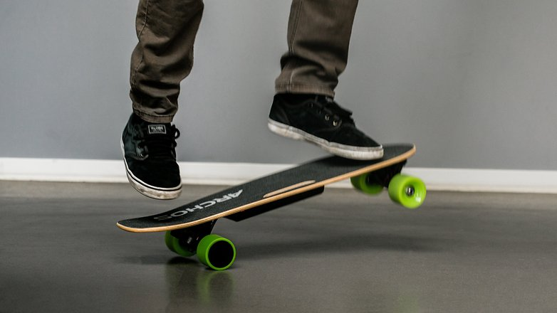 AndroidPIT archos sk8 electric skateboard boosted 9478
