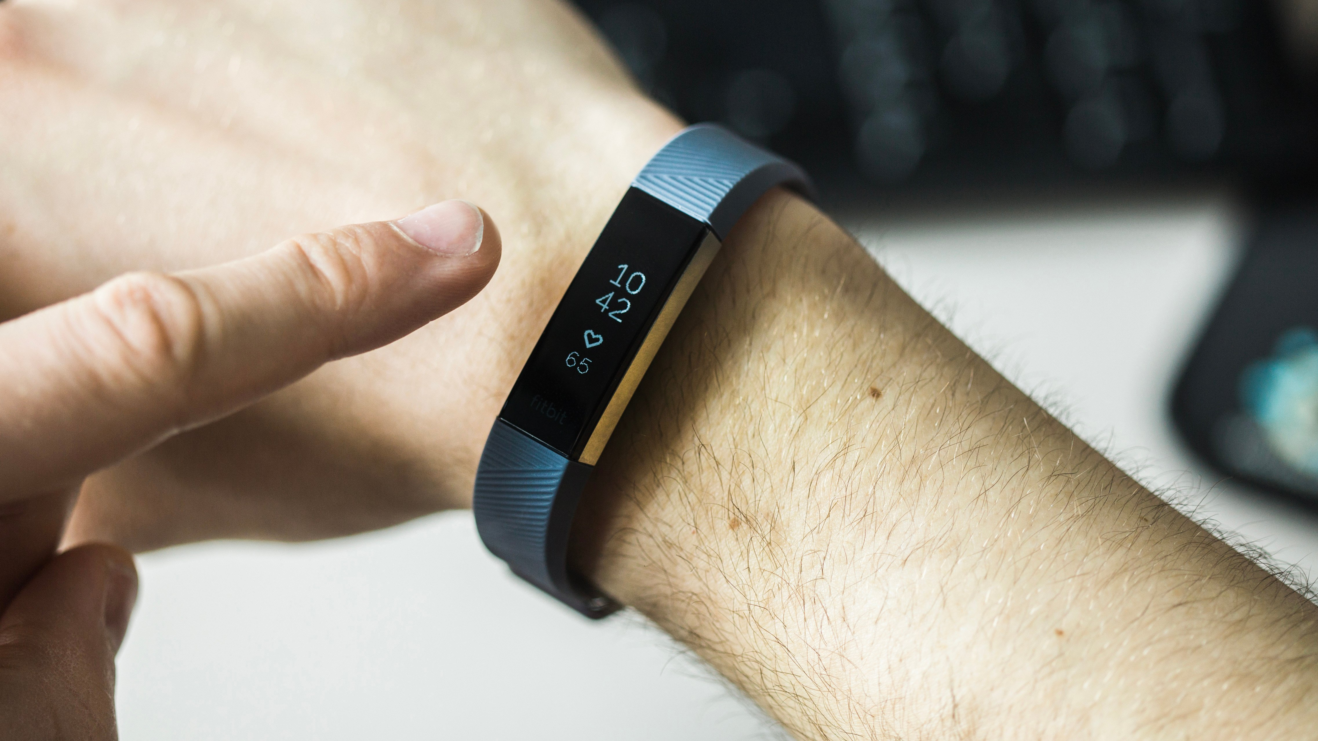 the most common fitbit problems and their solutions androidpit. Black Bedroom Furniture Sets. Home Design Ideas