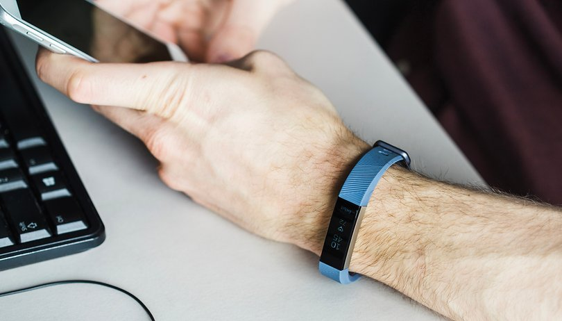 Fitbit Alta HR recensione: il braccialetto per dimagrire e dormire meglio