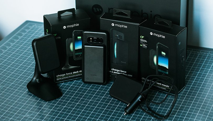 Review do kit Mophie charge force: seu smartphone com o dobro de bateria?