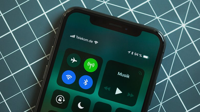 Android P to Feature Software Optimized for iPhone X Like Notch