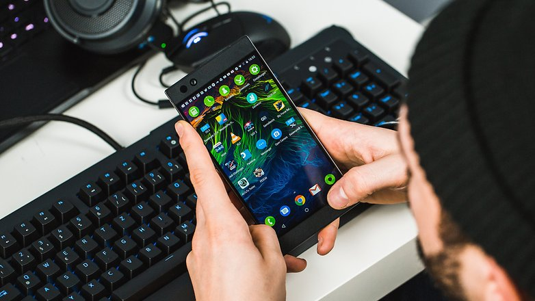 100 days with the Razer Phone: the edgy outsider | AndroidPIT