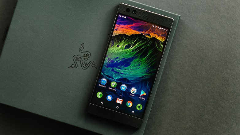 Razer phone review by gamers for gamers hardware reviews androidpit razer phone 2998 stopboris Images