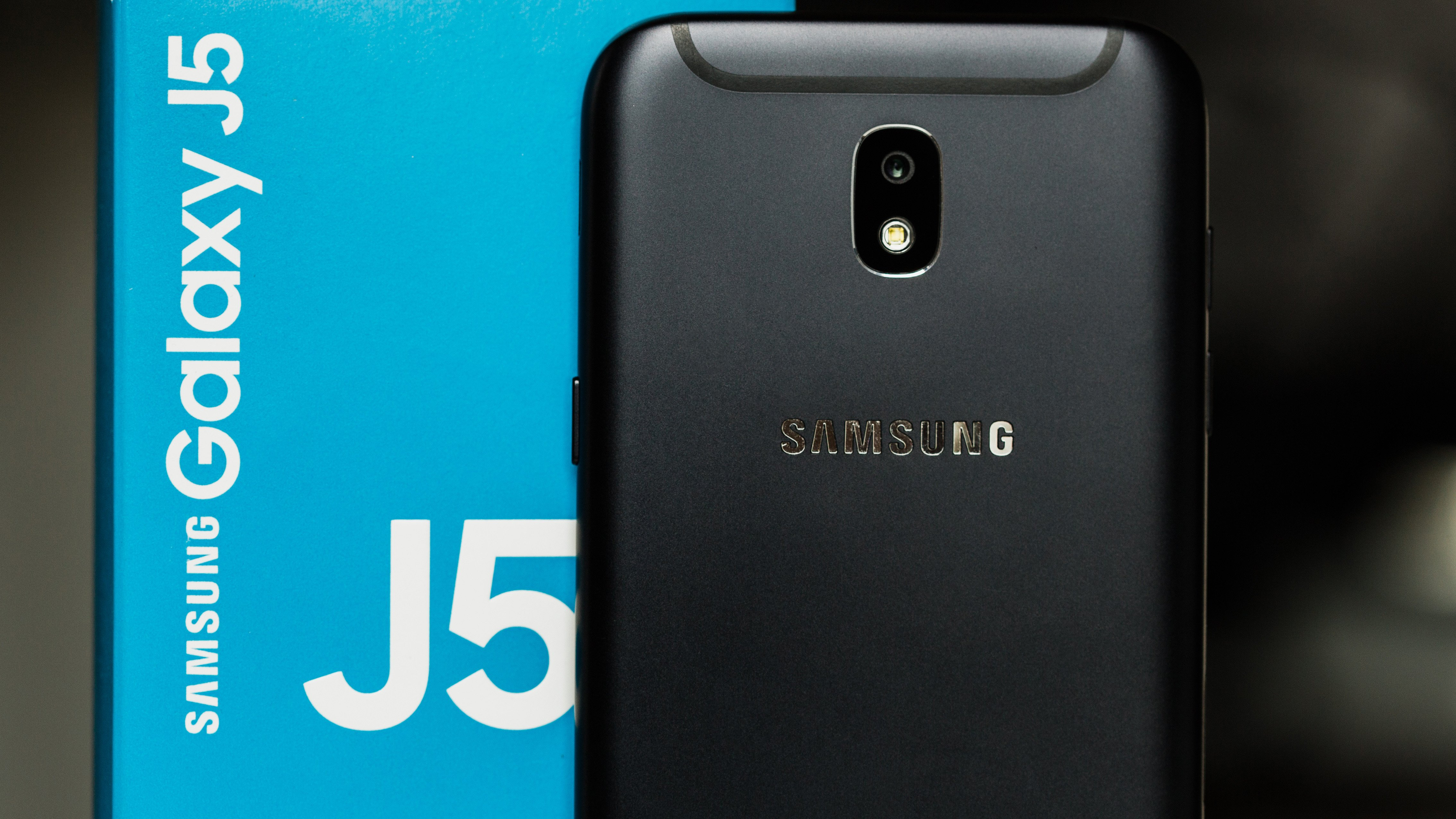 Samsung Galaxy J5 2017 Review A Change Of Face And Price