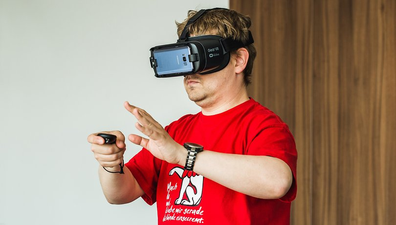 Google brevetta... dei pattini motorizzati per la VR? Davvero!?