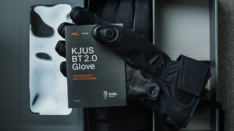AndroidPIT kjus bluetooth glove 7030