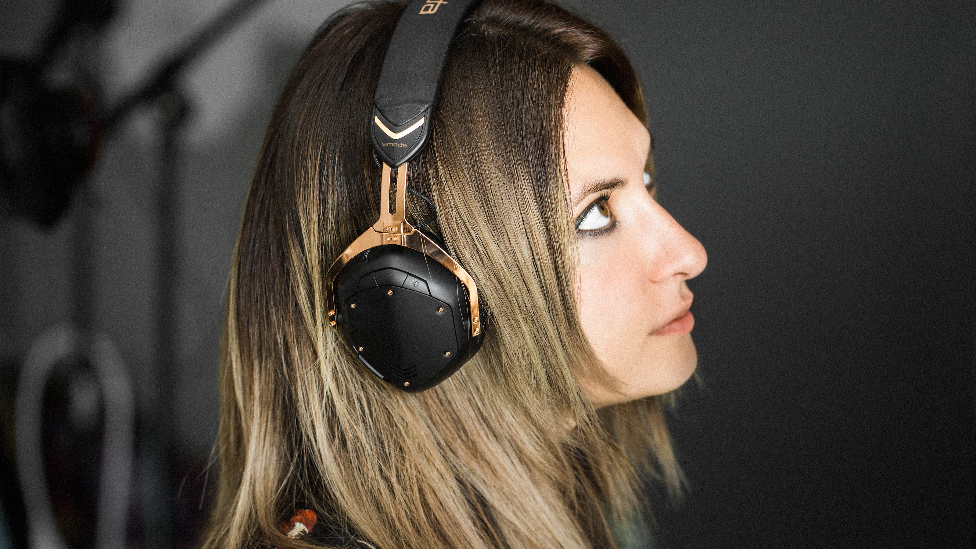 db863068739239 V-Moda Crossfade 2 Wireless headphones: excellent sound, no extras ...