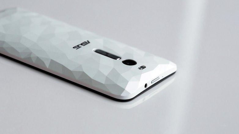 AndroidPIT ASUS ZenFone 2 Deluxe 9690