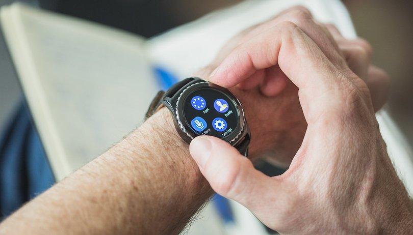 Samsung lancia oggi un nuovo indossabile per competere con Apple?